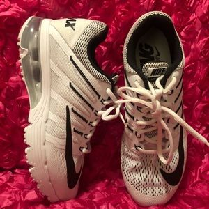 526297e89a6b Nike Air Max Excellerate 4 Running Womens Shoes